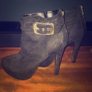 Heel Black Booties